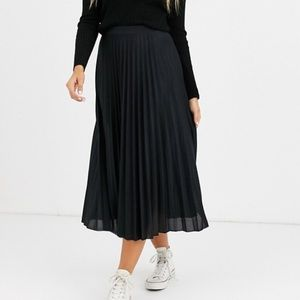 Old Navy Accordion Pleated Midi Skirt